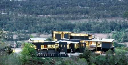 Five-Bedroom Home in Australia taking In Magnificent Surrounding Views