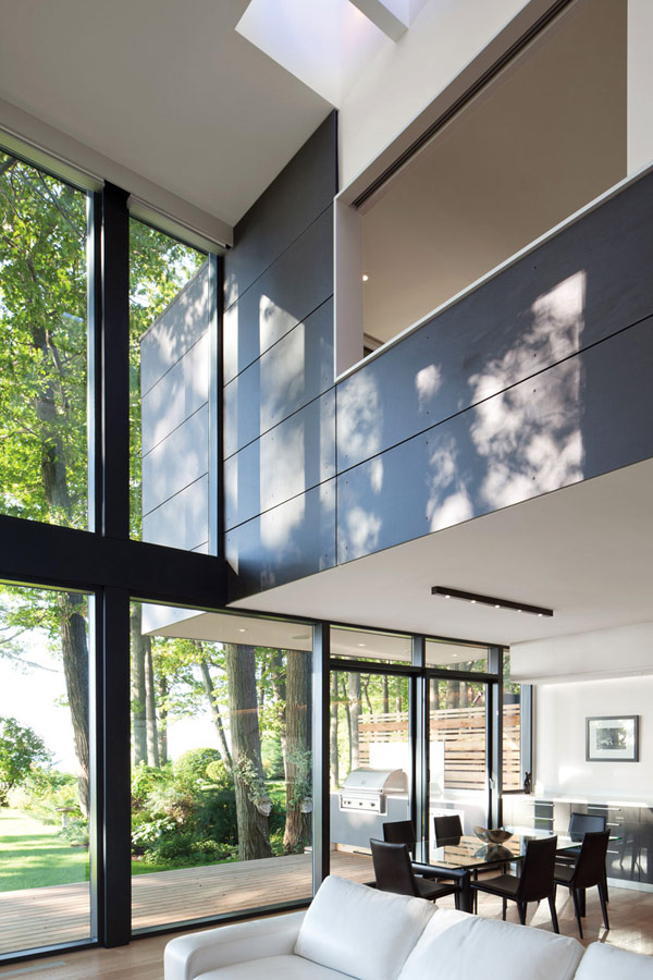 taylorsmyth hqroom ru 4 Cost Efficient Modern Residence with Beautiful Lake Views in Canada