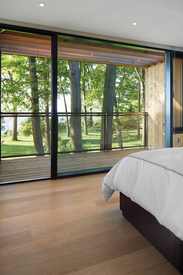 taylorsmyth hqroom ru 6 Cost Efficient Modern Residence with Beautiful Lake Views in Canada