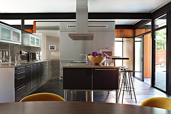 Kitchen5 Gorgeous Sense of Style: Luxury Mansion in L.A.
