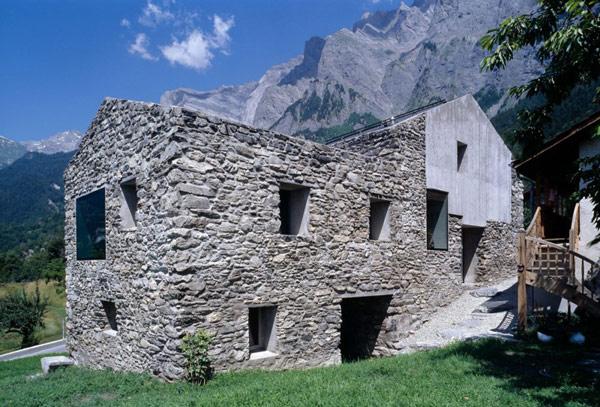 chamoson villa rock Genuine Rocky Architecture in Switzerland: The Chamoson Residence