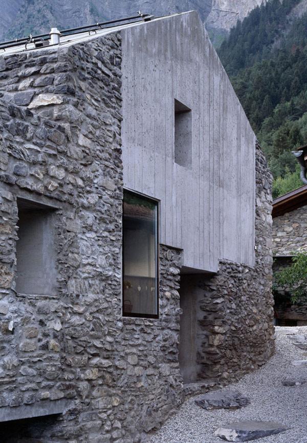 chamoson villa 7 Genuine Rocky Architecture in Switzerland: The Chamoson Residence