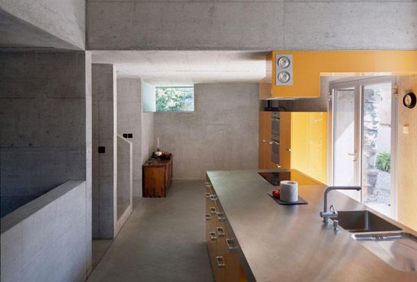 chamoson villa 9 Genuine Rocky Architecture in Switzerland: The Chamoson Residence