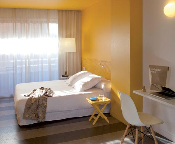 chic and basic hotel 13 Charm of the Spanish 60s: Chic & Basic Ramblas Hotel, Barcelona