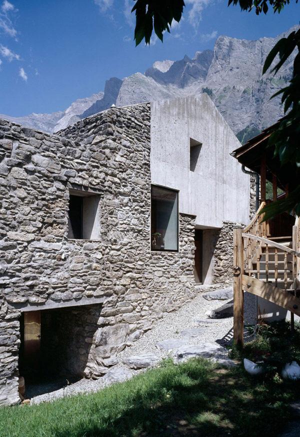 chamoson villa 6 Genuine Rocky Architecture in Switzerland: The Chamoson Residence
