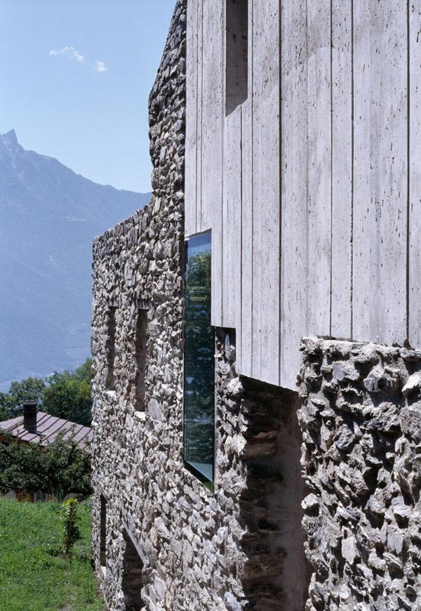 chamoson villa 5 Genuine Rocky Architecture in Switzerland: The Chamoson Residence