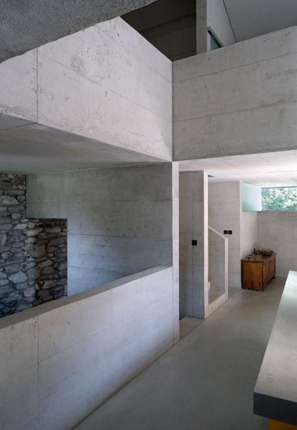 chamoson villa 11 Genuine Rocky Architecture in Switzerland: The Chamoson Residence