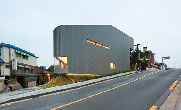 View Songwon 2 Steel Contemporary Shaped Art Centre in South Korea
