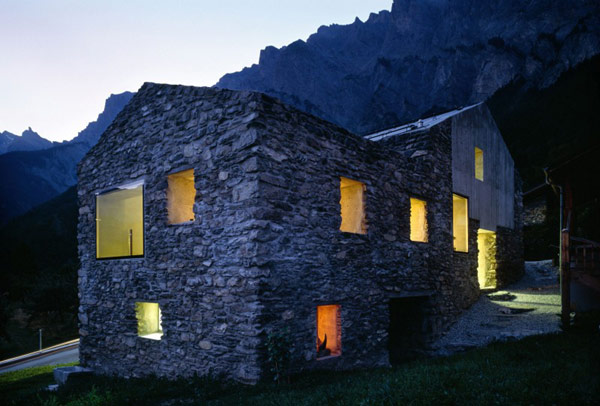 chamoson villa 18 Genuine Rocky Architecture in Switzerland: The Chamoson Residence