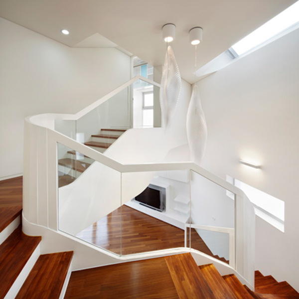 Details Lamps Curvy Eccentric White Residence With Square Perforations