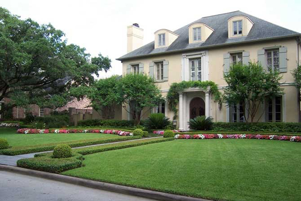 safe house well manicured lawns How to Keep Your Home and Valuables Safe When You Are Away