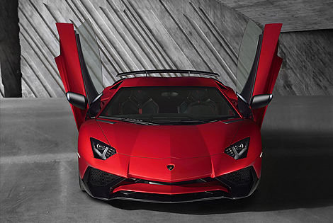 The New Lighter and Faster Lamborghini Aventador SV